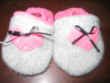 Hearts & Bows Wool Shoes