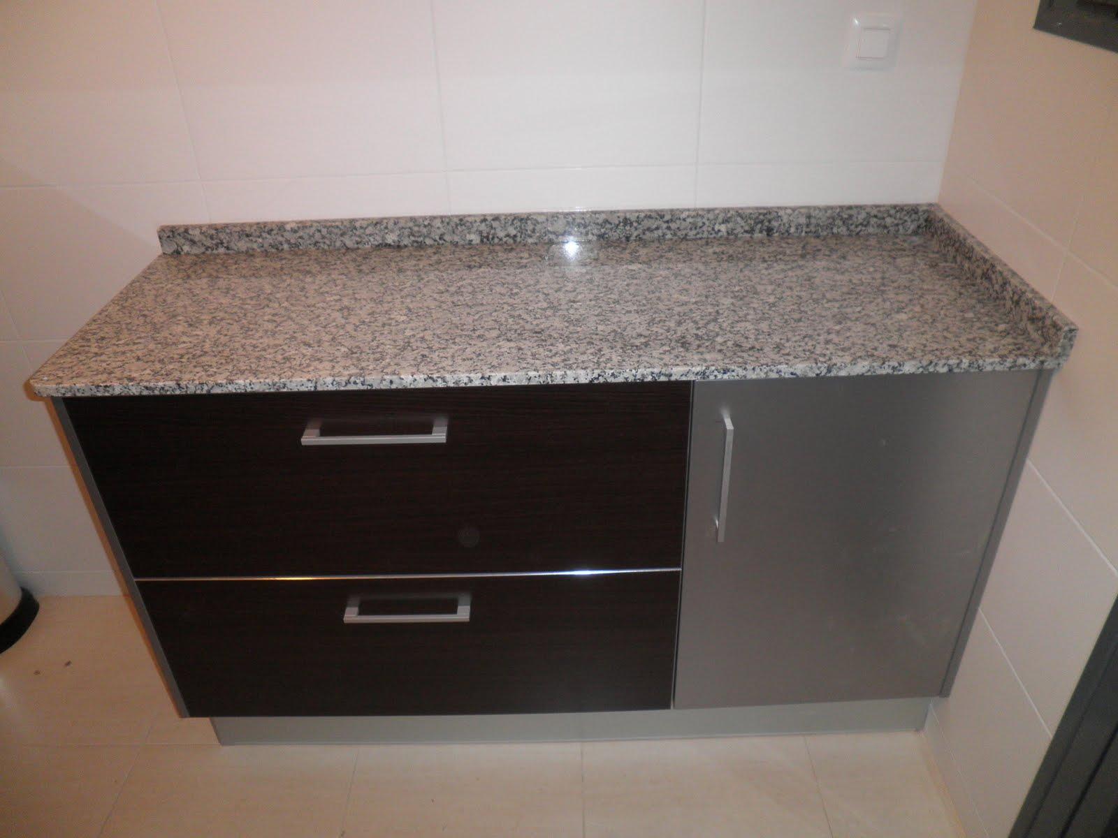 Decoraciones Sahuquillo: Mueble de cocina wengue y aluminio