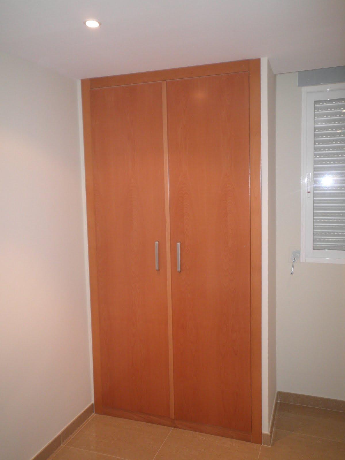Decoraciones sahuquillo armarios de puertas lisas de haya - Decoracion de armarios ...