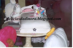 Bolo Caminha Hello Kitty