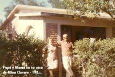 Papá y mamá en su casa de Mina Clavero