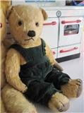 A Sweet 1940's Chiltern Bear!