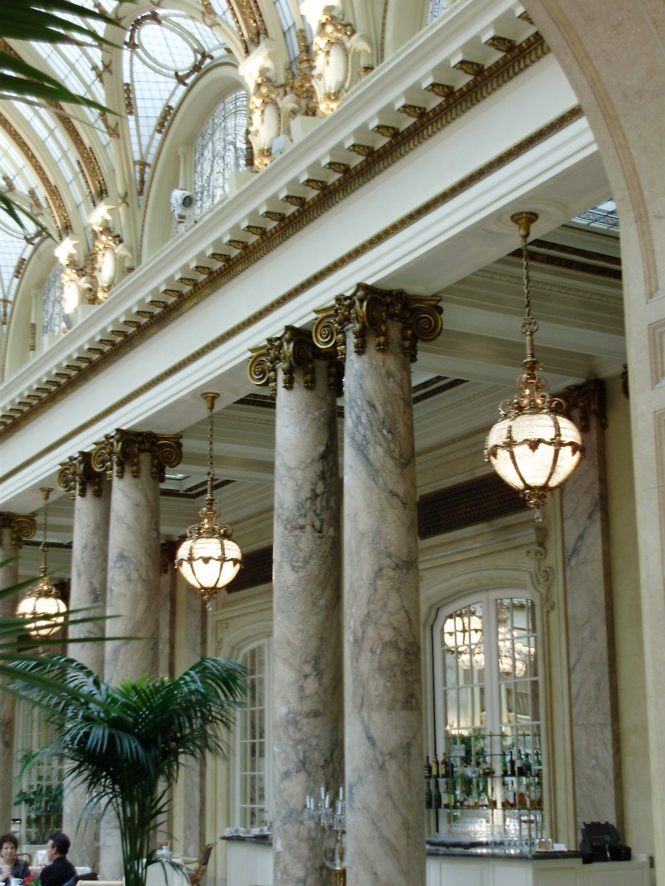 Molding Neoclassical