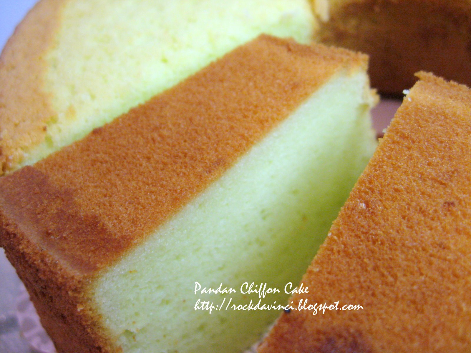 Let's Rock Like da Vinci - Cook Away!: Pandan Chiffon Cake Adventure