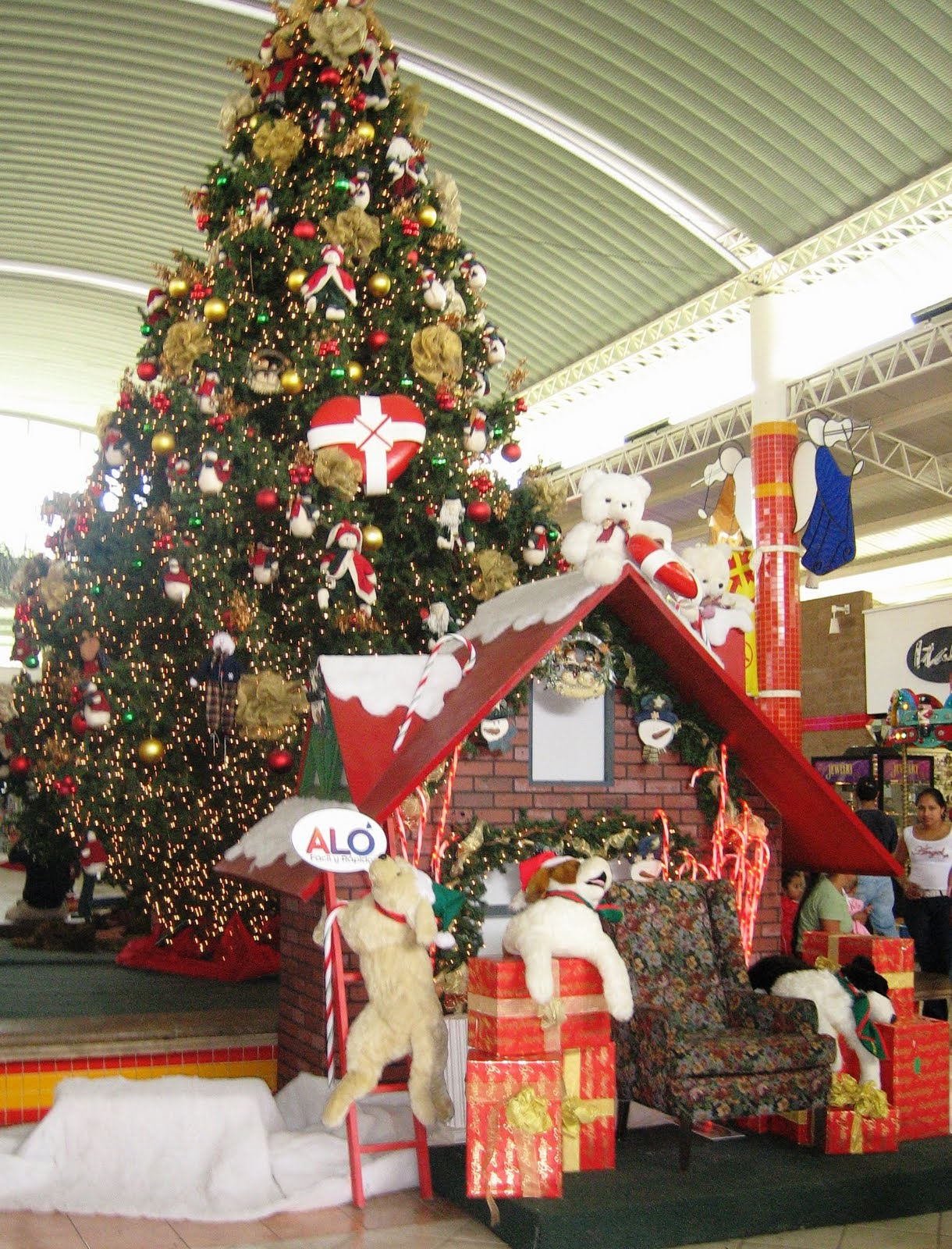 lindas el salvador blog holly jolly christmas - Big Christmas Decorations
