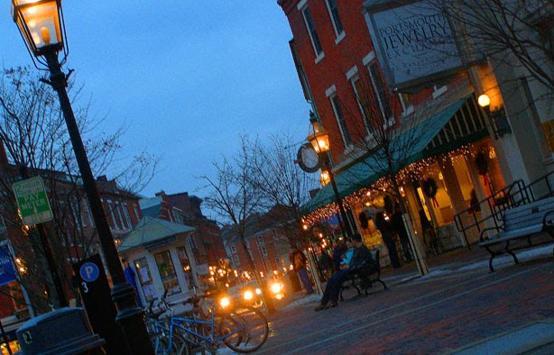 Lone stars and stripes cold night old town for Fish market portsmouth nh