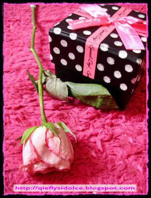 gift pink rose