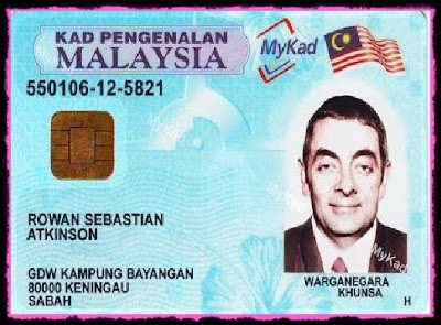 Mr.bean with his mykad