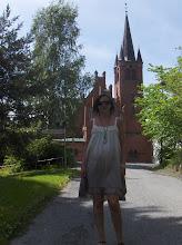 Her er jeg foran Høvik kirke som jeg er døpt i