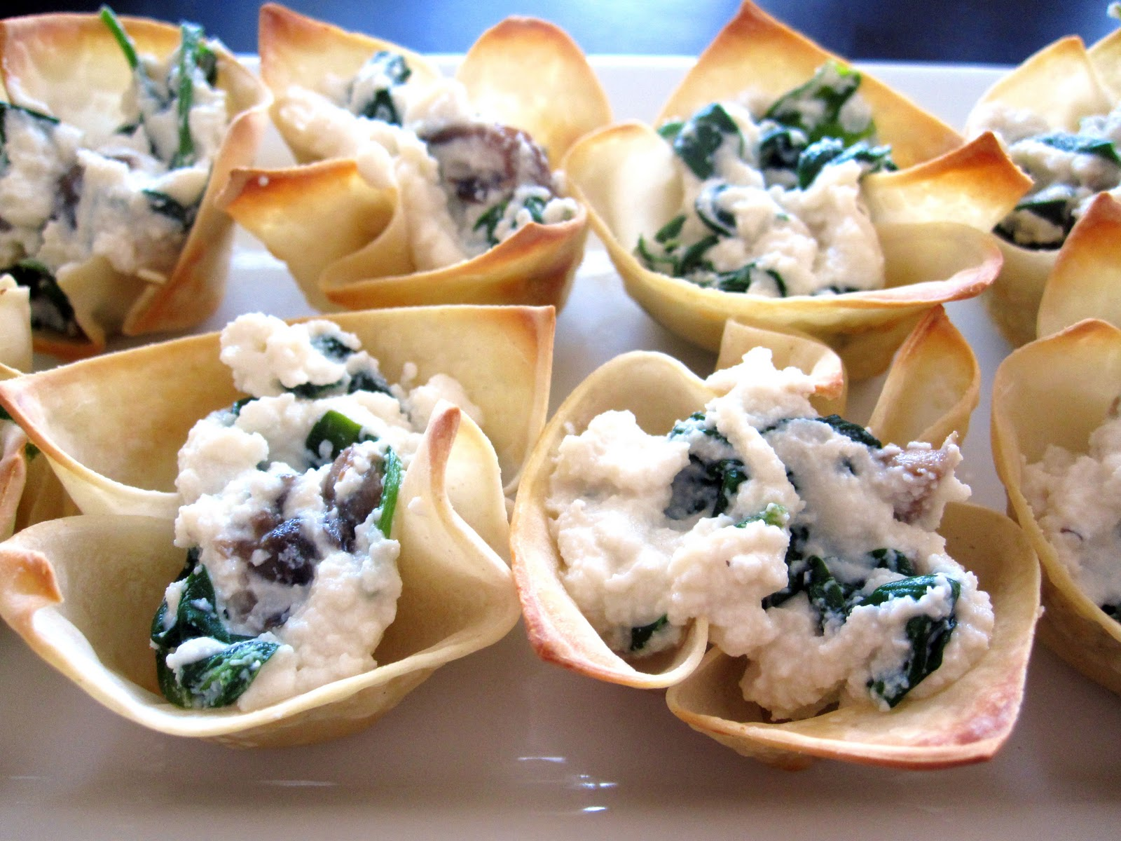 Just Putzing Around the Kitchen: Wonton Cups with Spinach ...