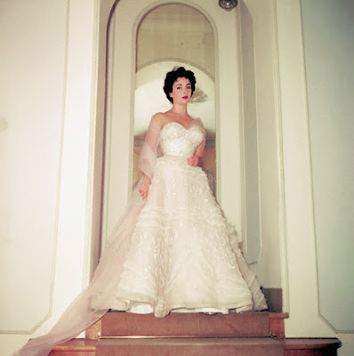 Lulubellawomensboutique elizabeth taylor wedding gowns for Elizabeth taylor wedding dress