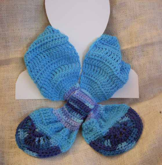 Crochet Scarf Patterns Worsted Weight : Craftybegonia: Painted Blue Ascot-Style Scarflet