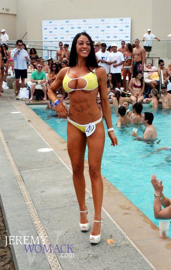 http://2.bp.blogspot.com/_a2Ac_i7cQNk/S_Y8-LeFd-I/AAAAAAAAbKA/cWrO3F-Zyh0/s1600/bikini_27.jpg