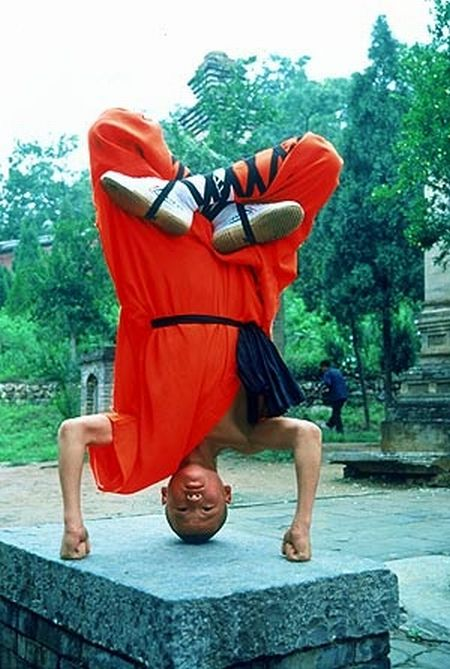 [shaolin_monks_05.jpg]