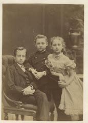 John Arthur Lange med sine søskende Carl Ludvig og Emma Lange 1874