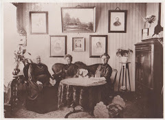 Jensine Christine Jensen med 2 af sin mands søstre ca.1915