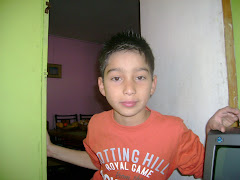 Mauro en su pieza