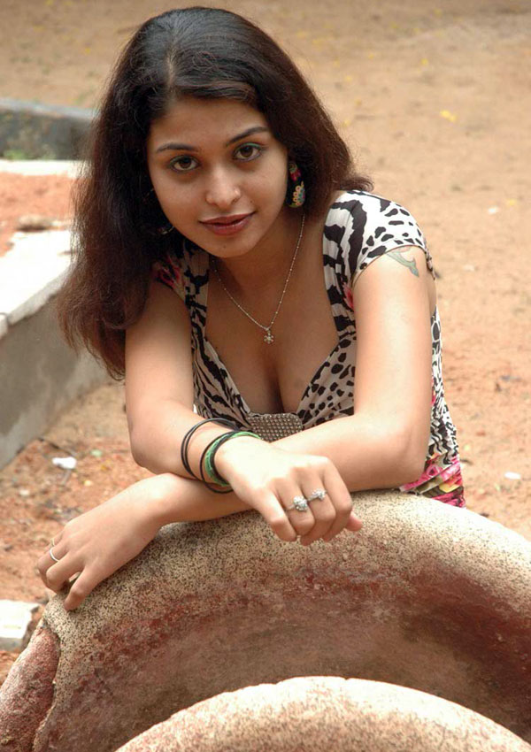 Heroins Hot Photos. Naga Sri New Telugu Heroin Hot