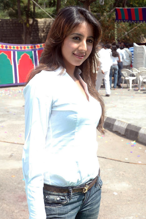 sanjana shoot hot images