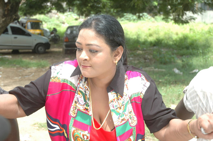 Shakila Hot g4