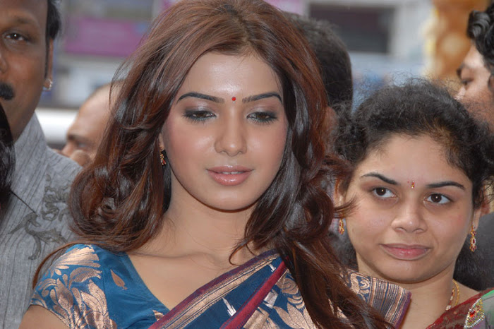 samantha looking in saree hot photoshoot