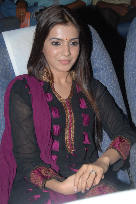 samantha bubbly looking actress pics