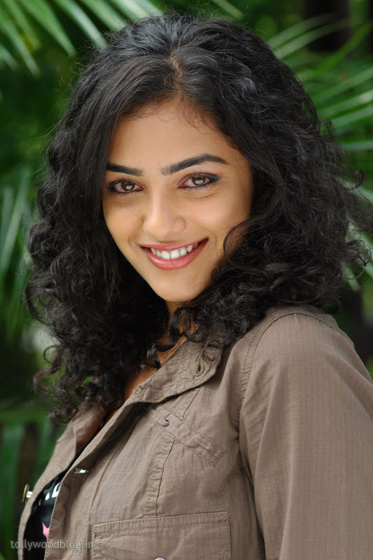 Nitya Menon Cute Looking Stills from Ala Modalaindhi Telugu Movie wallpapers