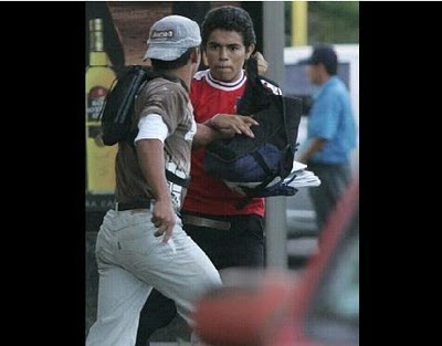 Asesinato en vivo y en directo en San Salvador