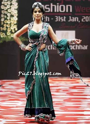 Amrita Rao at Bangalore Fashion Week