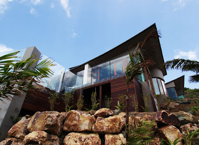 Great Barrier Reef Residence by Omiros One Architecture