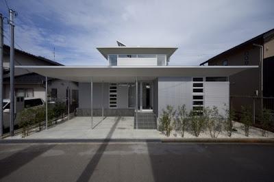 Japanese Aluminium House in Kanazawa City by Atelier Tekuto