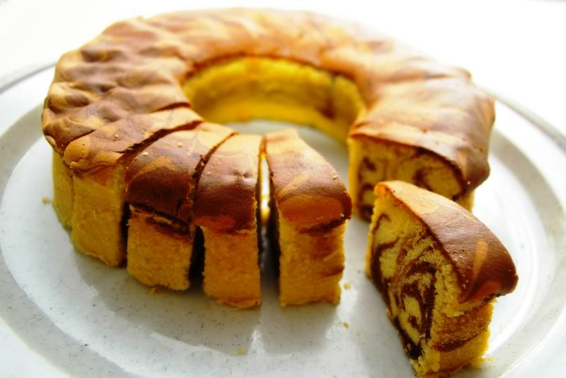 Dea's Cake & Bakery
