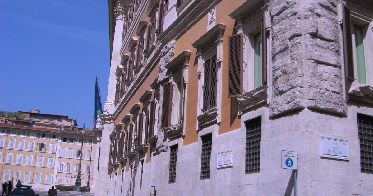 Briciole di scuola roma montecitorio for Dove si riunisce il parlamento italiano