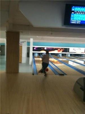 John Metz bowls.