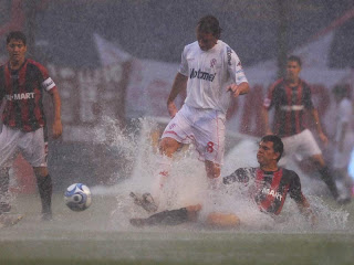 Leandro Diaz en Huracán - San Lorenzo bajo la lluvia