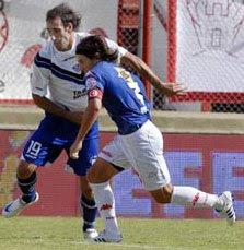 Chiche Arano en la goleada de Huracán 3-0 a Vélez