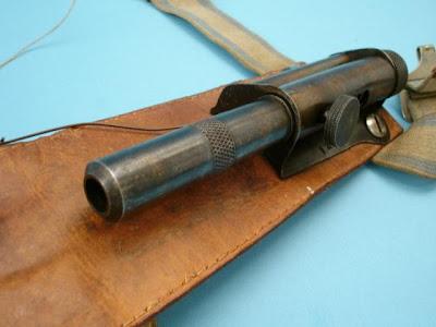 sleeve+pistol 02 Weapons that make you wonder