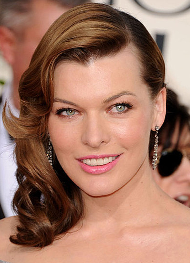 milla jovovich makeup. Milla Jovovich shows us how to