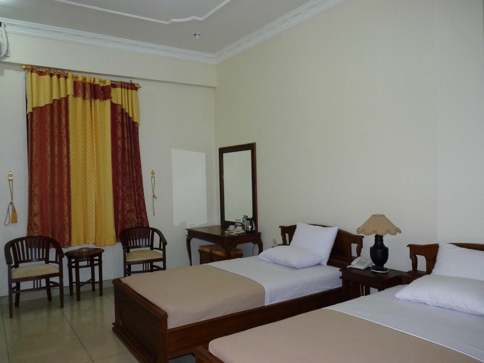hotel plaza purworejo foto kamar