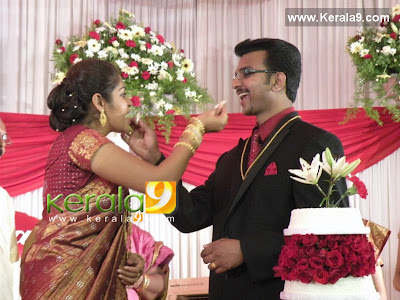 Online Wedding Photography Courses on Hot Gallery  Movie Wallpapers  Actress Karthika Wedding Photo Gallery