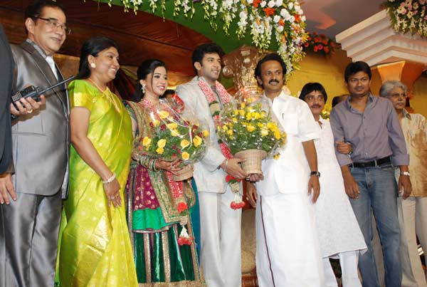 [jayam_ravi_wedding_reception_photos_38.jpg]