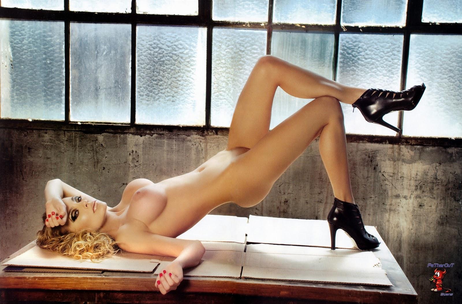 Співачка еріка порно фото 29 фотография