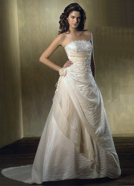 all brides should focus their attention on their bridal gown or wedding