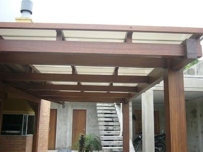 Pergolado com telha de policarbonato