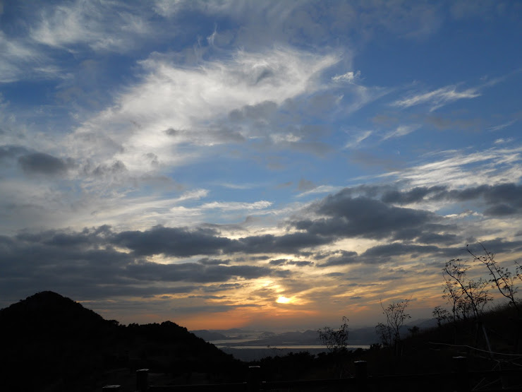 Sky and sunset near Busan, Oct. 2010