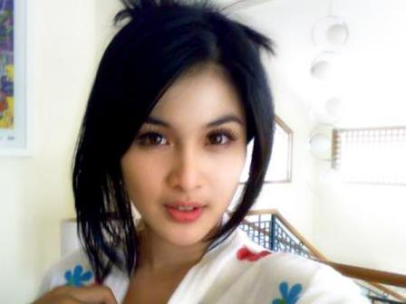 Sandra-Dewi.jpg
