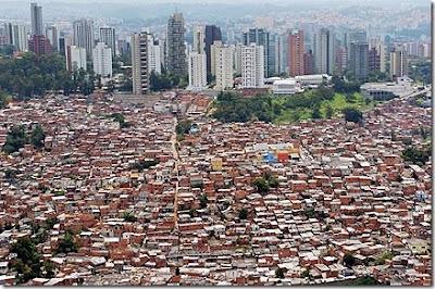 http://2.bp.blogspot.com/_aHLPLGPPHBw/SX9kr0WF2eI/AAAAAAAACYk/ry5cjTCpywg/s400/favela-morumbi-sao-paulo_thumb.jpg