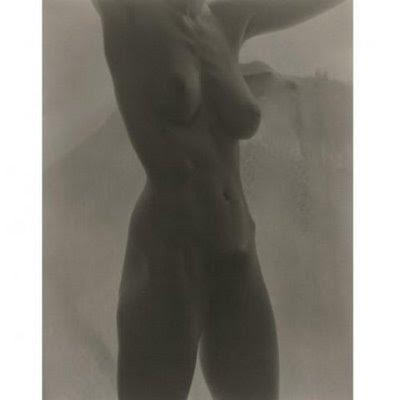 http://2.bp.blogspot.com/_aHfwOmjjNvk/StR2mccOpEI/AAAAAAAAHOY/qycYSbBAhu4/s400/Goergia+O%27Keefe+Nude.jpg