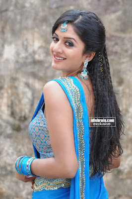 Actress Desi VIMALA RAMEN HOT Pics In Seductive Saree