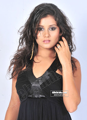 ARCHANA GUPTA Hot MASALA Pics In Seductive BLACK Dress